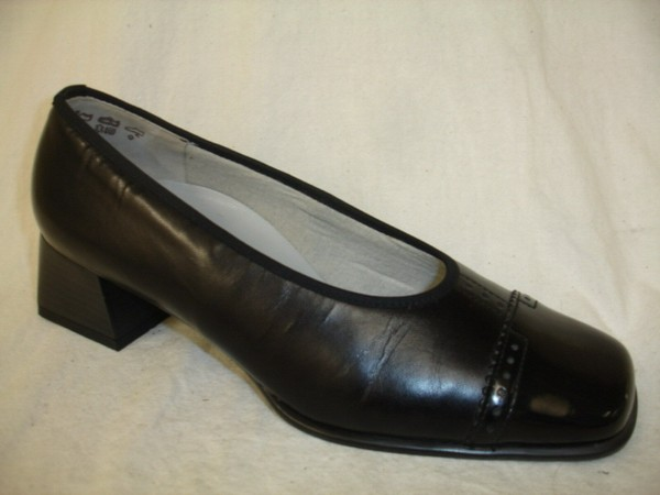 Theresia M. Damenschuhe Pumps Leder schwarz 64008 UK 4 Gr. 37