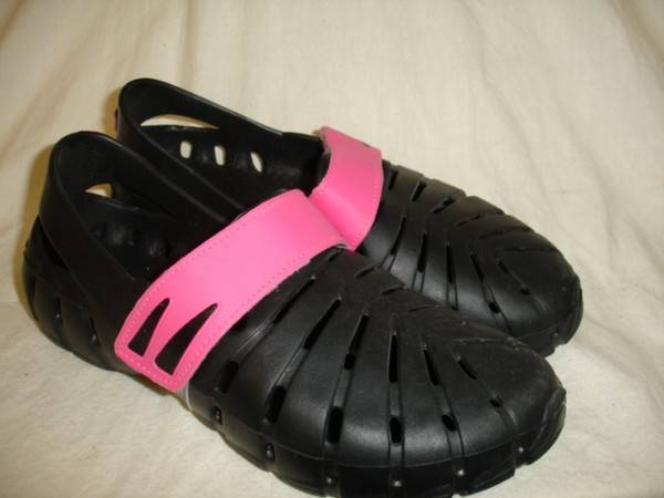 CNY Damenschuhe Badeschuhe Ballerina Strandschuhe Klettverschluß schwarz